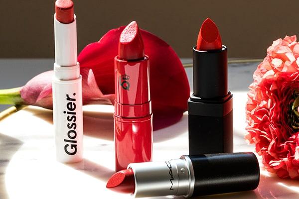 با لباس قرمز چه آرایشی کنیم