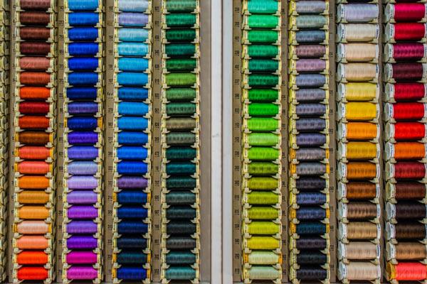 تنوع در رنگ و نمره نخ