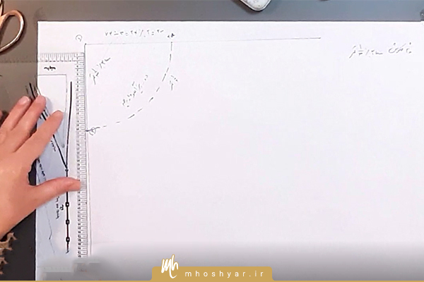 رسم خط یک سوم کمر از دامن نیم کلوش